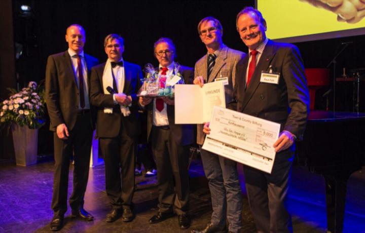 """Auszeichnung für """"Hits fürs Hospiz"""" durch die Town & Country-Stiftung"""