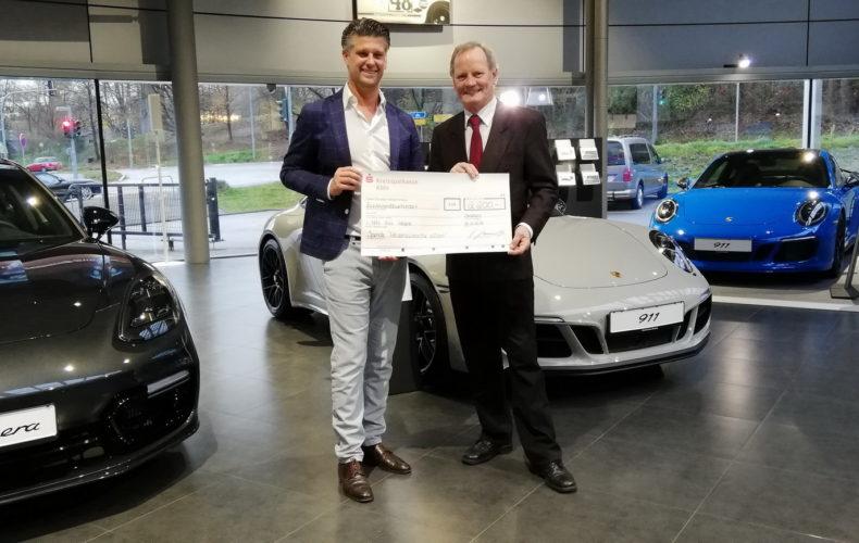 Porsche meets Karneval 6.0 Spendenaktion für das Bergische WünscheMobil